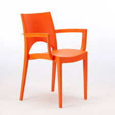 Plastic Chair For Outdoor Bars And Restaurants | IDFdesign Outdoor Seating Herman Miller Stackable Plastic Chairs Alinum Patio Rocker Jspr Fantastic Ding Chair I Fniture The World Of Cafe For Use Mette Concept Collections Hagen Tan Teak Chat Beige Light Wood Vitra All Ambientedirect Highwood Lehigh Recycled Garden Lounge In Taurus Home Products Resin White Warehouse Orange Lweight Children Orange Medium Solid