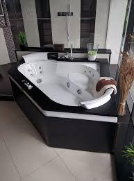 hotel avec baignoire balno dans la chambre ou chambre dhte se