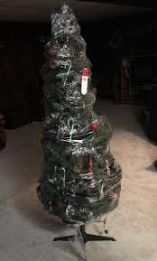 Plastic Wrap Your Christmas Tree by People Share Genius Tips You Can Use Them Everyday Tips And Crafts