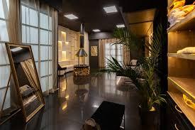 dunkles modernes stilvolles interieur für männer mit