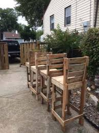 Diy Pallet High Bar Stools O 1001 Pallets