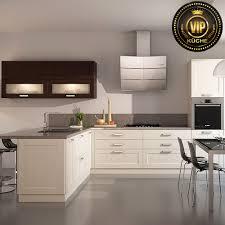 moderne landhausküche limba winkelküche l form massivholzküche weiß mit patina wenge