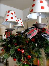 17 Gorgeous Christmas Chandelier For A Yuletide Home Decor