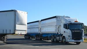 100 Big Blue Trucking Truckies Warned To Be Wary As Fire Conditions Worsen Rigs