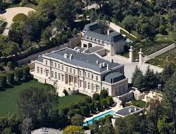 Despite being marketed as the world s most expensive house the Fleur De Lys somehow only falls on number 8 on our list Wow that s weird huh