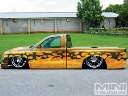 2001 Dodge Dakota - Custom Dodge Trucks - Mini Truckin' Magazine