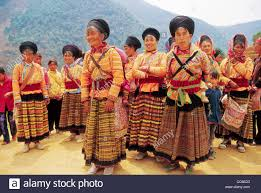 yi women in traditional costume dechang liangshan sichuan