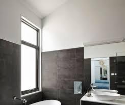 badezimmer platten über fliesen qschaefer wallideen