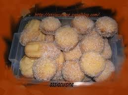 cuisine algerienne gateaux traditionnels les boules de noix de coco les recettes de assia
