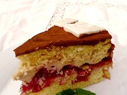 leckere cappuccino torte mit sauerkirsch kompott