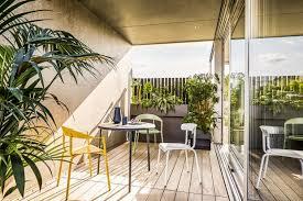 Interessane Gestaltung Eingelassene Badewanne Hölzerne Bretter Conmoto Alu Mito Gartenstuhl Jpg