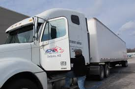 100 Kansas City Trucking Company Companies Are Short On Drivers Drivers Say Theyre Short