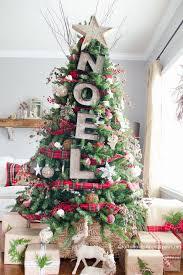 Rustic Noel Marquee Christmas Tree Decorating Idea