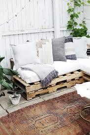 comment faire un canapé en comment faire un canapé en palette le tuto diy banquette en