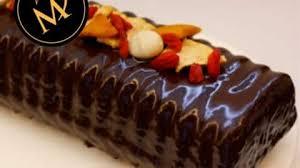 schokoladen kuchen mit trockenfrüchten