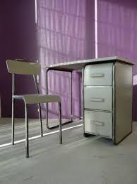je ne suis pas au bureau bureau vintage je peux le faire