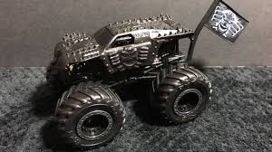2017 Hot Wheels Monster Jam Blackout Max D Review - YouTube Axial Smt10 Maxd Monster Jam 110th Scale Electric 4wd Truck Rtr Other Colctable Toys Revell Snaptite Build And Play Rumbled Out Of The Pit Julians Hot Wheels Blog 10th Anniversary Edition 125 Rmx851989 Hobbies Amain Kelebihan Team Flag Max D Diecast Dan Harga Hotwheels 164 Terbaru 101 Daftar Amazoncom 124 Games New Bright Maximum Destruction 110 Rc Toy R Us Best Resource Model Kit Scratch Axial Smt10 Maxd Monster Trucks Youtube
