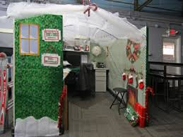 Cubicle Decoration Themes Green by Cubicle Christmas Decorating Themes Home Decorations