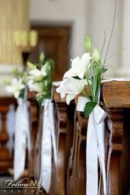 Dekoracja ław Dekoracja Kościoła Eleganckie białe dekoracje