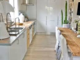 cuisines blanches et bois photo déco cuisine blanc et bois par deco