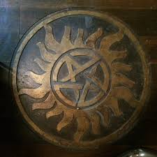 Supernatural A Detailed Look Inside The Men Letters Bunker