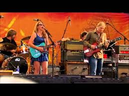 Tedeschi Trucks Band - Midnight In Harlem (Live) - YouTube