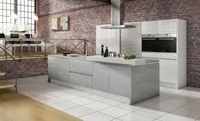 grifflose designküche in weiß und grau als offene küche