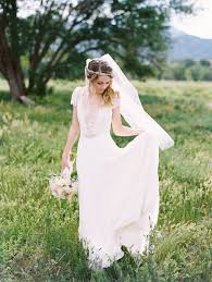 Annie And Ryans Wedding May Look Like Its Pulled From The Pages Of Secret Garden Not Just Because Their Colorado Springs Venue