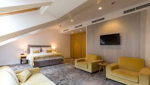 schlafzimmer idee schlafzimmer im dach mit teppichboden