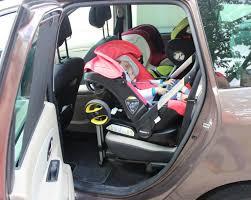 siege bebe devant voiture un siège auto qui fait poussette le rêve devenu réalité grâce à