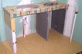 faire un meuble de cuisine meuble avec plan de travail ranger décorer le meuble plan de