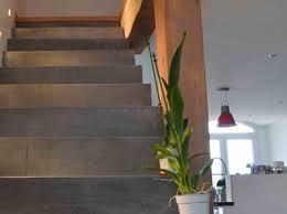beton cire sur escalier bois béton ciré et bois mélange de matériau arcane industries