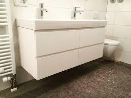 auch schön das badezimmer in ganz weiß zu halten ein paar