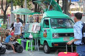 Bangkok Thailand April 16 2015: Tourists Are Buying Juices From ... Tampa Area Food Trucks For Sale Bay Used Truck New Nationwide Bangkok Thailand February 2018 Stock Photo Edit Now The 10 Most Popular Food Trucks In America Woman Is Buying At Truck York License For 4960 Home Company Ploiesti Romania July 14 Man Buying Fresh Lemonade From People A Hvard Square Cambridge Ma Tulsa Rdeatlivecom Blog Rv Buying Guide Narrowing Down Your Type Go Rving Customers Bread From Salesman Parked On City