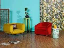 retro sessel in gelb und rot bild kaufen 11404179