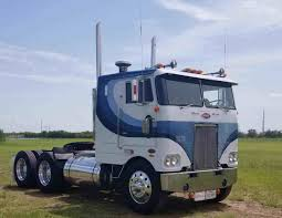 Lonnie Jones' 1980 Peterbilt 352