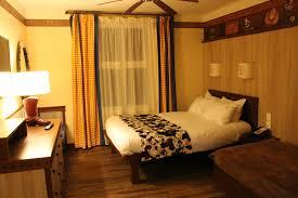 chambre disneyland l hôtel cheyenne à disneyland les expériences de tonksounette