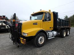 2003 Volvo VHD64F200 Plow / Spreader Truck For Sale, 174,313 Miles ...