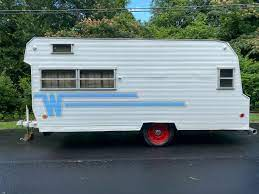 104 Restored Travel Trailers Beautifully 1964 Winnebago Camper Trailer Is Ready To Take You Anywhere Autoevolution