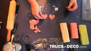 décoration de gâteau en pâte d amande tutoriel par trucsetdeco