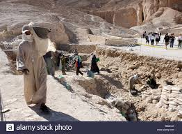 100 In The Valley Of The Kings Wage Labourers Carrying Soil Excavations In The Of The