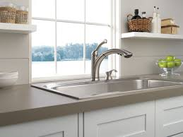 Delta Lewiston Kitchen Faucet 16926 Sssd Dst by 16926 Sssd Dst Single Handle Pull Out Kitchen Faucet With Soap