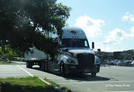 Metropolitan Trucking Inc. - Saddle Brook, NJ - Ray's Truck Photos