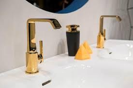 glanz oder gar nicht gold und schwarz fürs bad