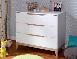commode chambre bébé commode evidence blanc et hêtre