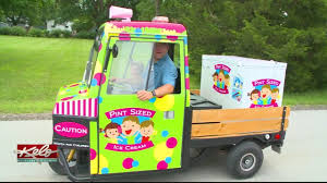 100 Icecream Truck Family Creates Ice Cream For The Town