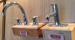 Delta Trinsic Bathroom Faucet by Tradeportal Cbhhomes Com Ssimages Bath Faucets And Hardware
