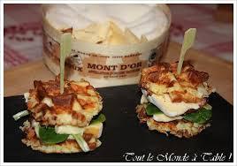 hamburger franc comtois gaufre de pommes de terre mont d or