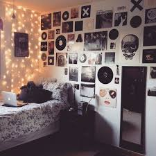 bedroon grunge bedroom teen band posters decor messy bed