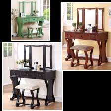 Beautifully Designed Vanity Set Features Pine Wood Frame Of Rustic Style It Includes A 3